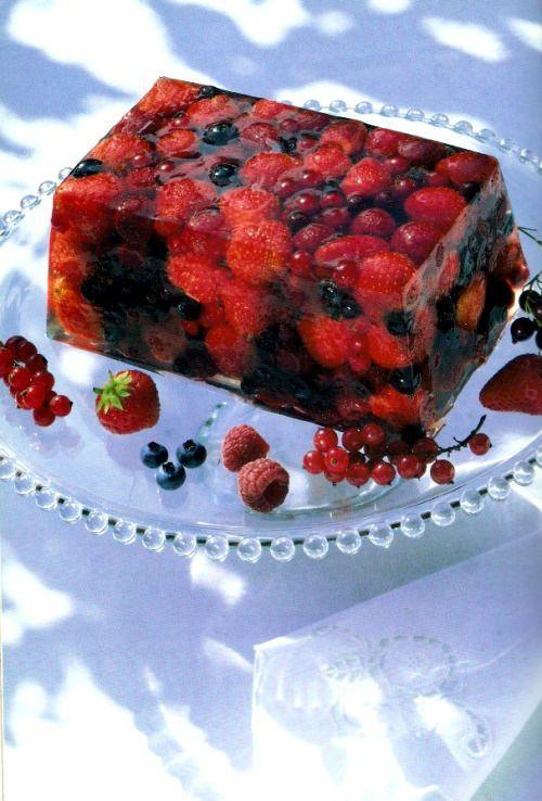 A Terrine Of Summer Fruits (Delia Smiths Recipe) Ingredients 2 oz (50g) caster sugar 2 x 0.4 oz (11g) sachets gelatine powder 1 tablespoon fresh lime juice For the fruit 12 oz (350g) small strawberries 8 oz (225g) raspberries 12 oz (350g)...