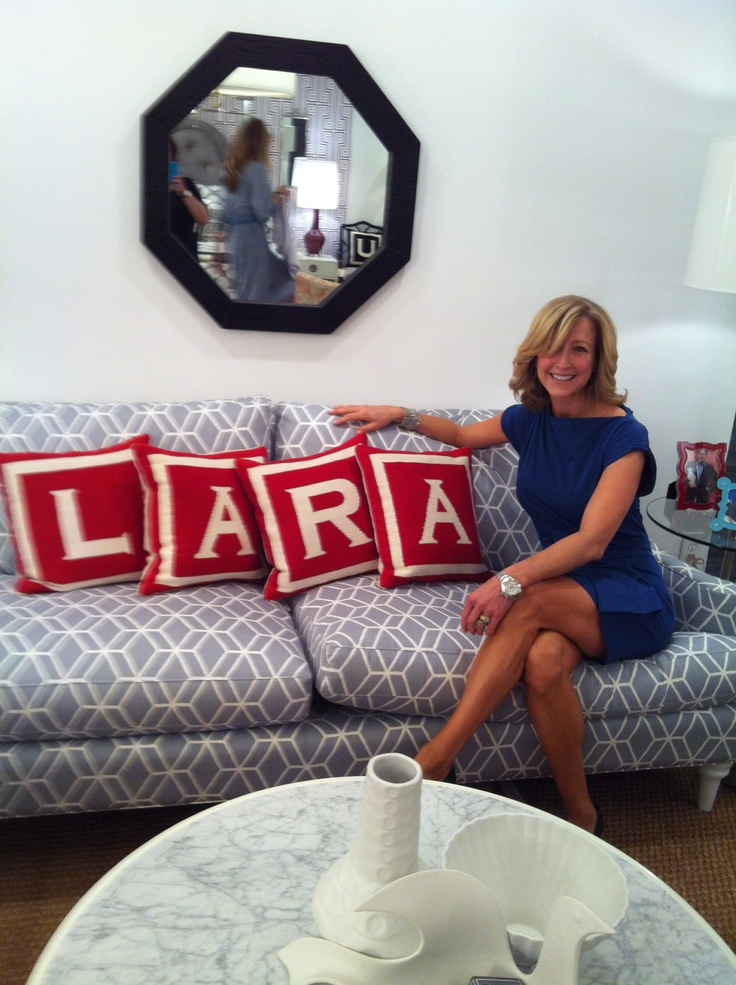 39 best images about i brake for yard sales on pinterest Lara spencer decorating