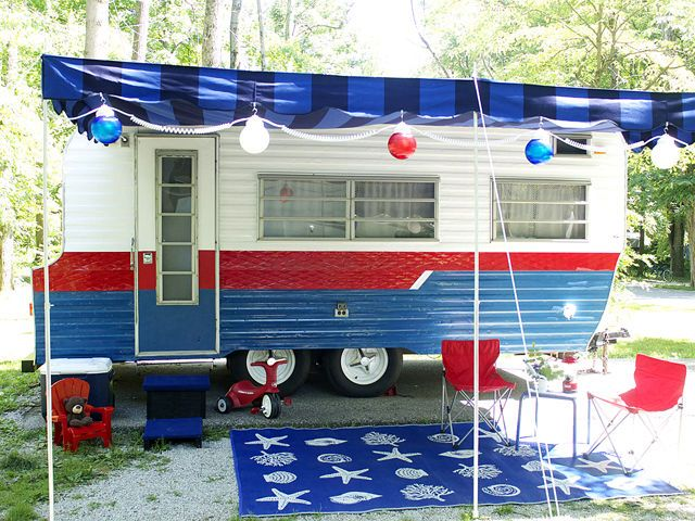 Before and After: Vintage Camper Makeover. Red, White & Blue - Fourth  4th of July inspired.   Tiny trailer - travel caravan  <O>
