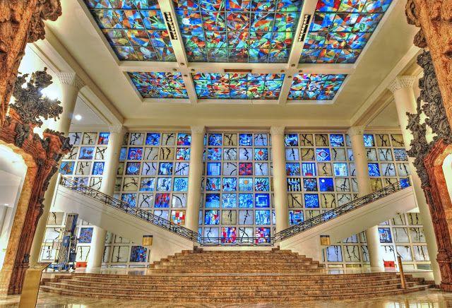 Veja nossa seleção com as 50 melhores faculdades de arquitetura no Brasil e no mundo.