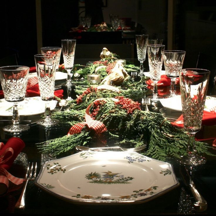 50 Stunning Christmas Table Settings & 1267 best Christmas Table Decorations images on Pinterest ...