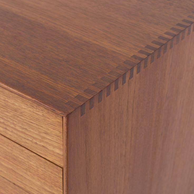 Sideboard in solid teak