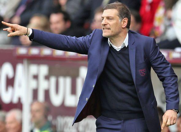 West Ham to launch £50m bid for Arsenal duo Theo Walcott and Olivier Giroud - https://buzznews.co.uk/west-ham-to-launch-50m-bid-for-arsenal-duo-theo-walcott-and-olivier-giroud -