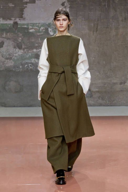 Marni Fall 2014 Ready-to-Wear Runway - Marni Ready-to-Wear Collection