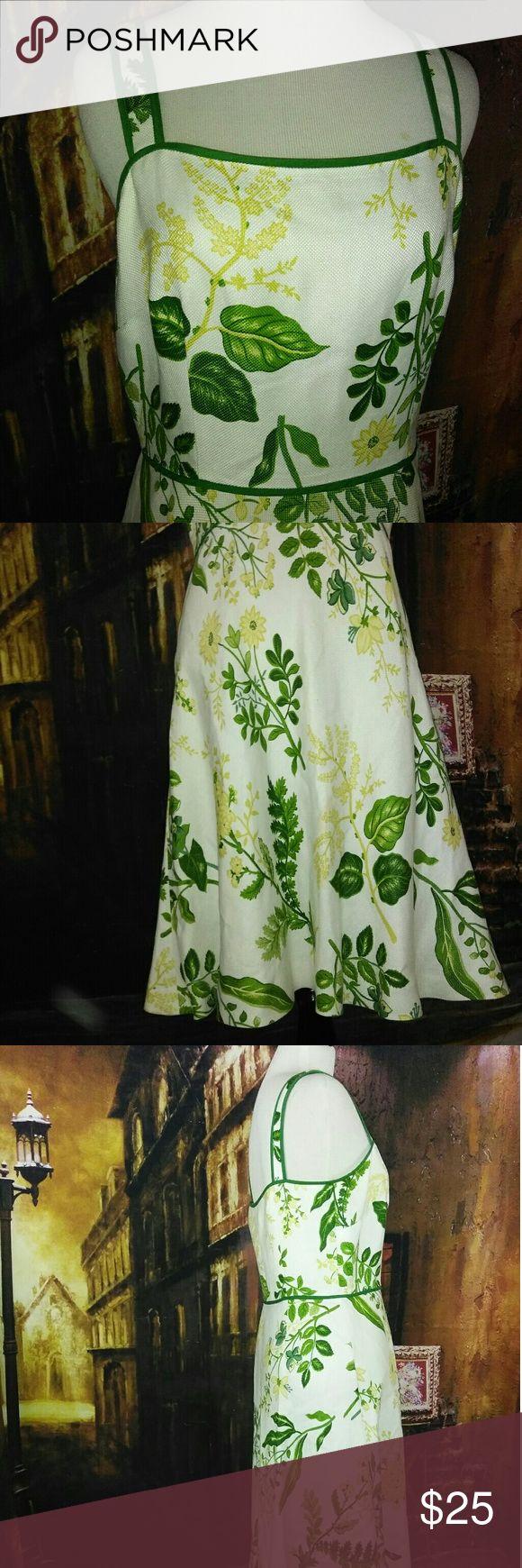 Ann taylor Loft petites dress size 6p 56% linen. 44% rayon. Green.  White. Yellow.  Long 30.5  Armpit to armpit 14.5. Ann taylor Loft Dresses