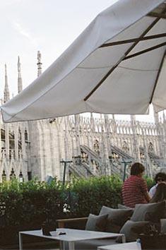 Il bar - La Rinascente. Aperitivo con vista Duomo.