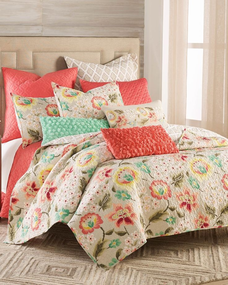 Exclusively Ours Fleur Luxury Quilt Full Queen Main
