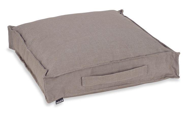 die besten 25 matratzenkissen ideen auf pinterest sitzsack bett wandregal industrielook und. Black Bedroom Furniture Sets. Home Design Ideas