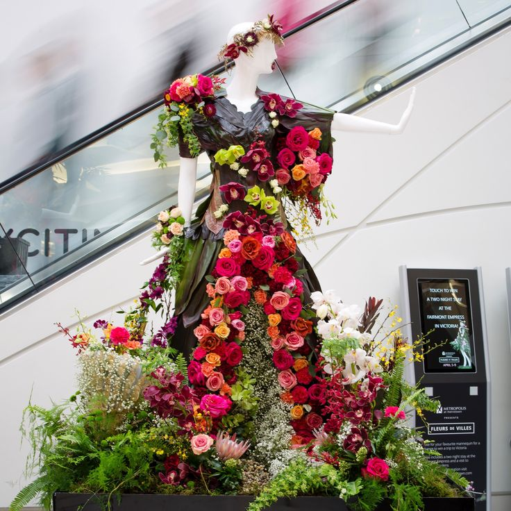 Created by Sunflower Florist for the Global BC mannequin.