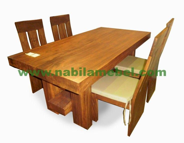 Meja Makan Jati Antik merupakan produk furniture jepara yang kami produksi dengan bahan baku kayu jati produk mebel jepara kami jual dengan harga murah.