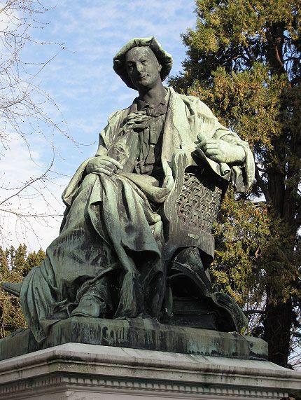 Théodore de Banville, né à Moulins en Auvergne Précurseur du parnasse, ami de Victor Hugo, Charles Baudelaire et Théophile Gautier, Théodore de Banville a été l'un des maîtres et modèles de Mallarmé, Verlaine et Rimbaud. Auvergnat, il est né à Moulins, où un lycée porte son nom : http://www.auvergne.fr/content/theodore-de-banville