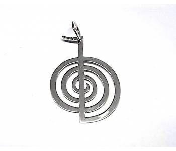 #Colgante Chokurei de Plata de ley. Colgante de Plata de ley 925 cortado a láser con la figura Chokurei, símbolo de la energía. Admite cordones o cadenas de hasta 5 Mm. de grosor.  ¡Decídete ahora y podrás tener este Colgante Cho-Ku-Rei de Plata de ley en 24 horas!  Medidas: 2.5 Cm. de ancho y 3,9 Cm. de alto  No incluye cadena