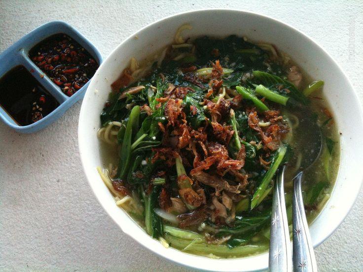 Mie Cakalang Khas Manado Kelezatannya Terkenal di Seluruh Penjuru - Kuliner Manado