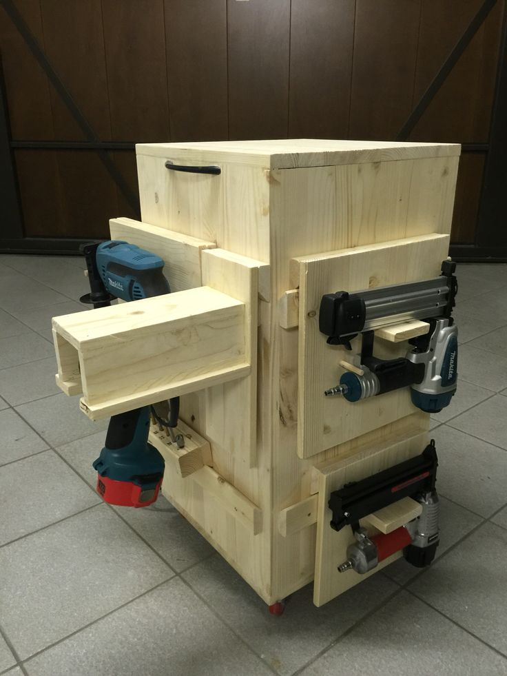 Mobile tool storage- carrello attrezzi mobile - french cleat