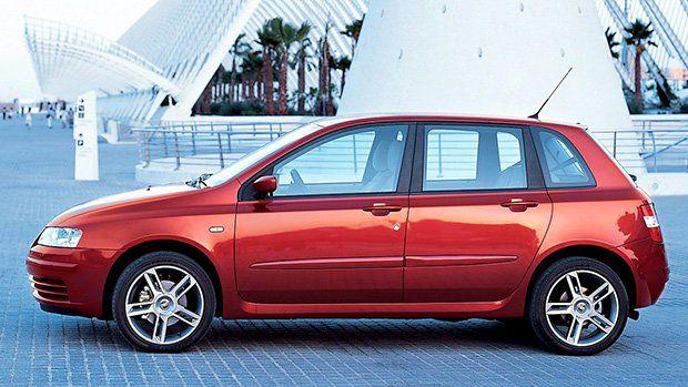 FIAT Stilo Abarth, 2003 cinco cilindros, 2,4 litros, 20 válvulas e 167 cv.