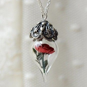 encased rose: Rose Flowers, Style, Beautiful, Rose Necklaces, Red Rose, Jewelry, Accessories, The Beast, Terrarium Necklaces