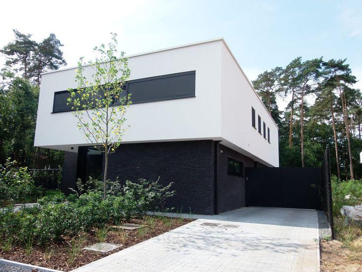 Woningbouw realisaties architect moderne woningen for Moderne villa architectuur