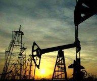 Bajan los precios del petróleo por la abundancia de la oferta