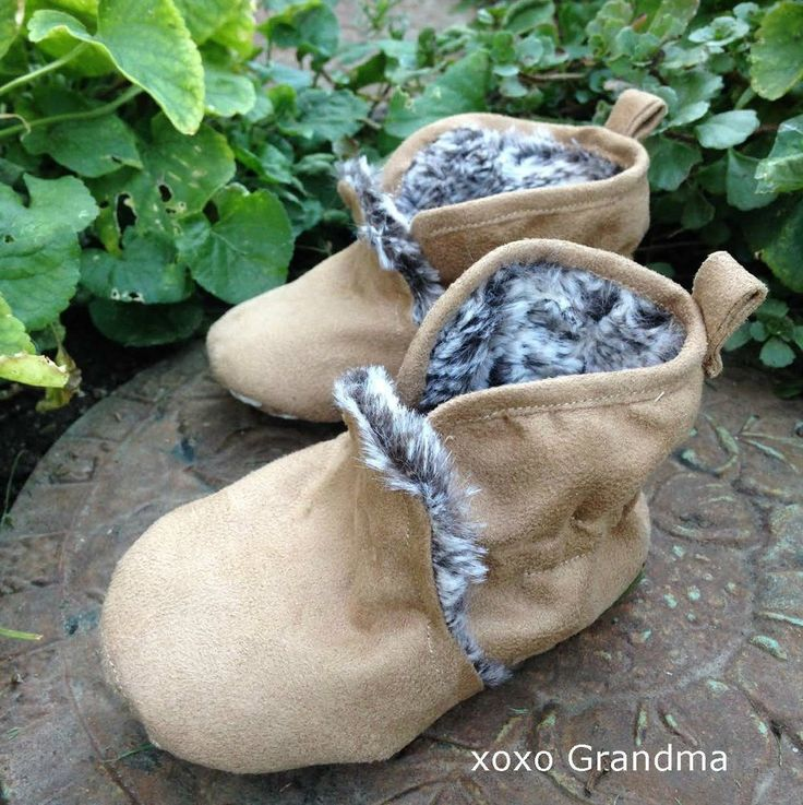These Little One Mukluks are one of the warmest and most unique, free baby booties pattern you are going to find. Lined with faux fur to keep toes toasty, these Inuit-inspired duds are going to keep your kid very happy.