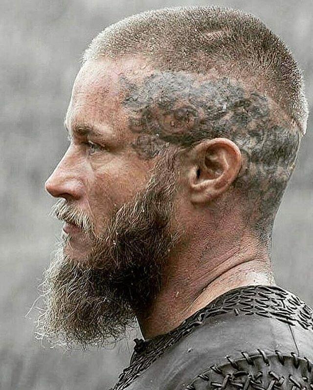 Vikings Never Forget Viking Vikings In 2020 Vikings Ragnar Ragnar Lothbrok Hair Viking Hair