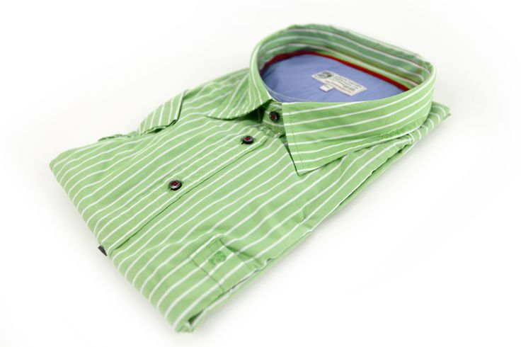 Koszula Pierre Cardin w kolorze zielonym w białe paski. Idealna na wiosnę/lato z krótkim rękawem. Skład: 100% bawełna.