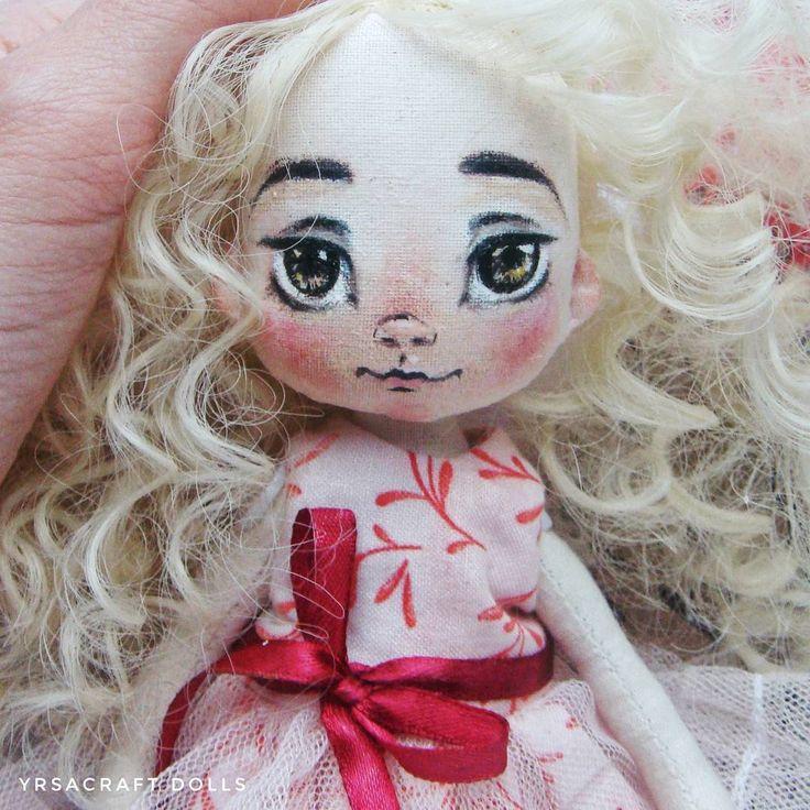 Подарок, День Рождения дочери. Купить куклу, Москва, волосы, кудри, милая девочка, розовый, голубой, белый,марсала, декор интерьера, украшение квартиры и дома, yrsacraft, текстильная кукла, интерьерная кукла, купить подарок, авторская кукла, купитькуклу, кукла, handmade, игрушка, подарок для девочки, подарок для девушки, ручная работа, набор одежды, декор, дизайн интерьера, украшение интерьера, утренний свет, нежность, кукла с гардеробом, кукла девочка