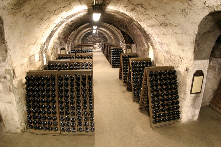 TÖRLEY champagne Cellars, Hungary