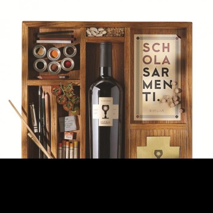 Schola Sarmenti - Puglia - Italie wordt voorgesteld op Opendeur. Frisse witte wijnen op basis van Chardonnay en Fiano. Stevige rode gemaakt van Negroamaro en Primitivo.