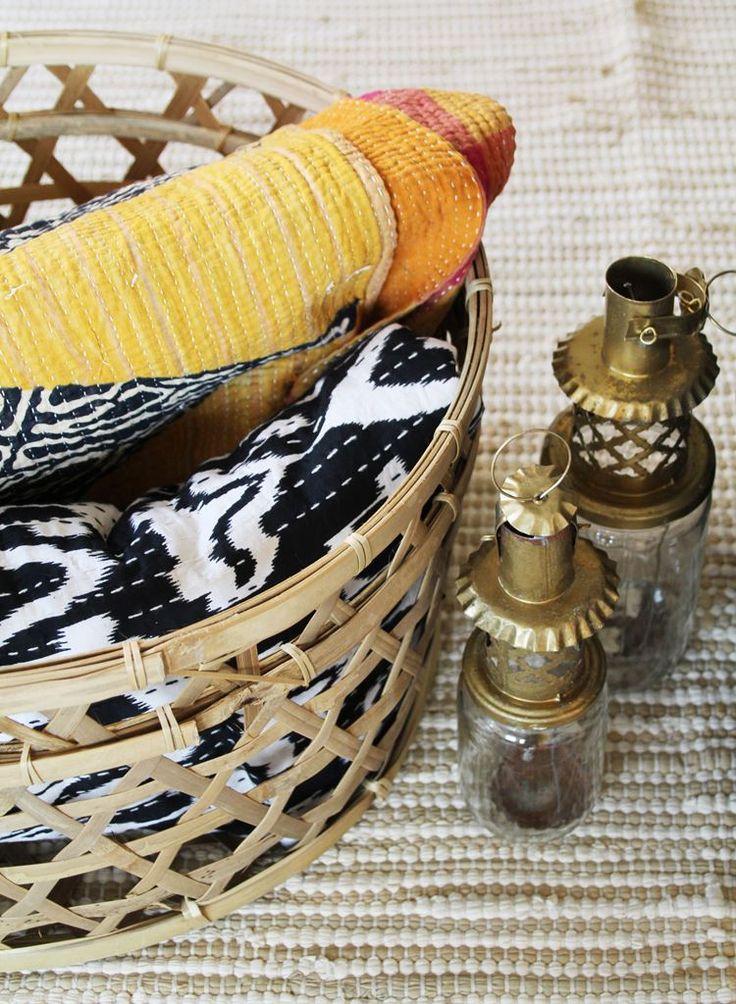 De Indiase quilts zijn nu heel scherp geprijsd. De jampot lantaarns zijn een origineel december cadeau. www.casaquente.nl