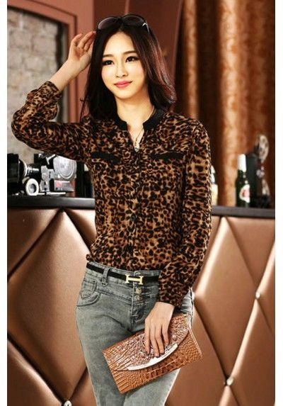 Blusa manga larga print leopardo de kaleidokopic.