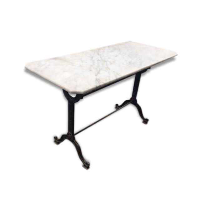 Table de bistrot en marbre vendu par Antiquités - Décoration - Design à Saint Ouen (93 - Seine-Saint-Denis). État : Bon état, Materiau : Pierre et plâtre, Style : Vintage,
