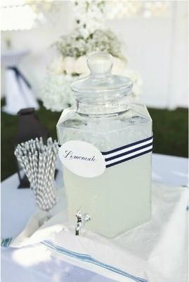 fontaine à boisson pour votre vin d'honneur  www.lesbricolesdenolou.com