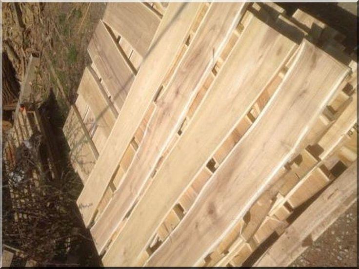 Weidezaun, Auch Bretter, die sich durch besondere Widerstandsfähigkeit auszeichnen, werden aus Robinienholz hergestellt - Garteneinfassung ----------------- Bretter, Robinie Fahrradständer Möbel Robinienpfähle, geschliffen Gartenbrunnen Ék, alátétfa Falburkolatok Sägebock Gehobelte Bretter Robinienpfähle, gehobelt Gitter Abbfallsammler Infotafel Iveta vörösfenyő termékek Bodenbeläge Pferdezaun, Viehzaun, Weidezaun Weinberg-, Pflanz-, und Markierungspfähle Robinienpfähle, geschält Zäune…