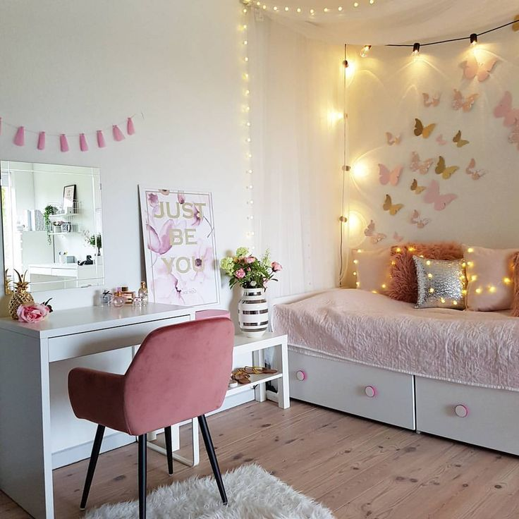 pin von natalia ha o auf toaletka pinterest laminat und kinderzimmer. Black Bedroom Furniture Sets. Home Design Ideas