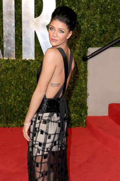 "Jessica Szohr's lettering tattoo ""Know Your Limits"""
