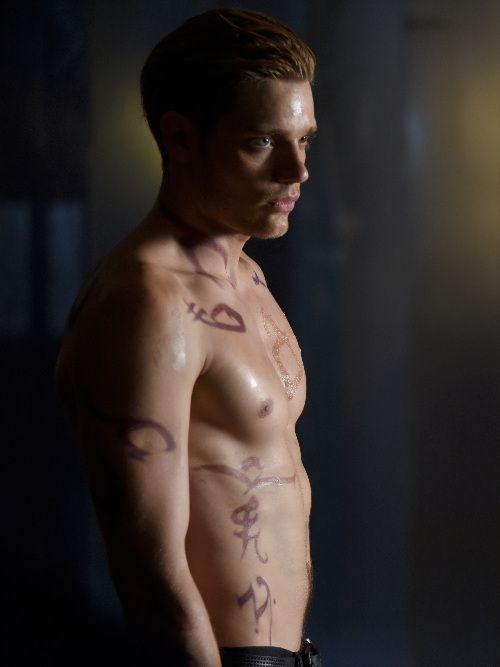 Dominic Sherwood as Jace Wayland #Shadowhunters 1x11