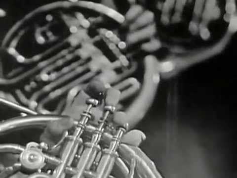 """Jacques Brel raconte """"Pierre et le loup"""" de Segej Prokofiev - YouTube"""