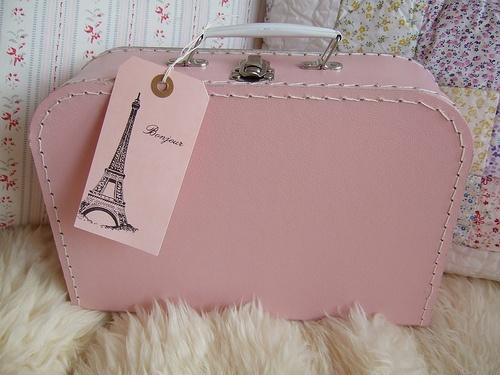 La vie en rose: Paris, Bonjour Mon Amour, Things Pink, Favorite Places, Eiffel Towers, Vintage Suitca, Pink Suitca, Excess Baggage, Vintage Style