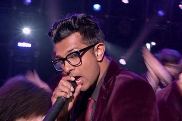 "pitch perfect | Pitch Perfect"" Breakout Utkarsh Ambudkar Takes On ""The Mindy Project"""