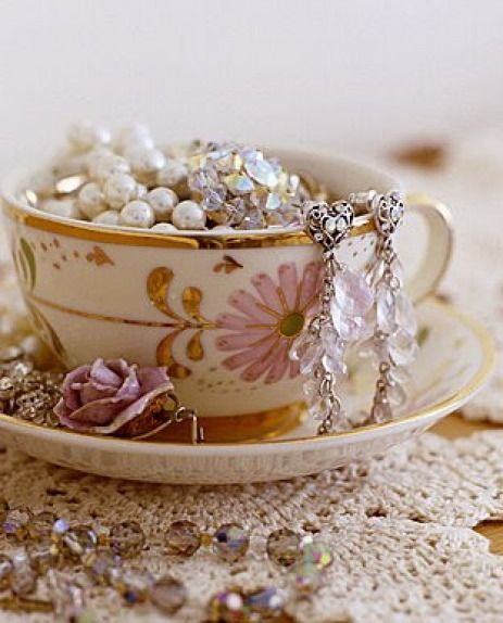tea cups for random jewelry storage and organization:
