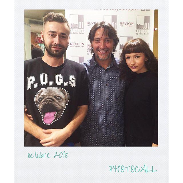 Felix Rojas posa con los ganadores de un concurso organizado por Revlon en Polonia. El premio, ni más ni menos que viajar a Barcelona y tener la oportunidad de peinarse en la mejor peluquería de la ciudad.  #blue01stylist #photocall #style #hair #pelo #co