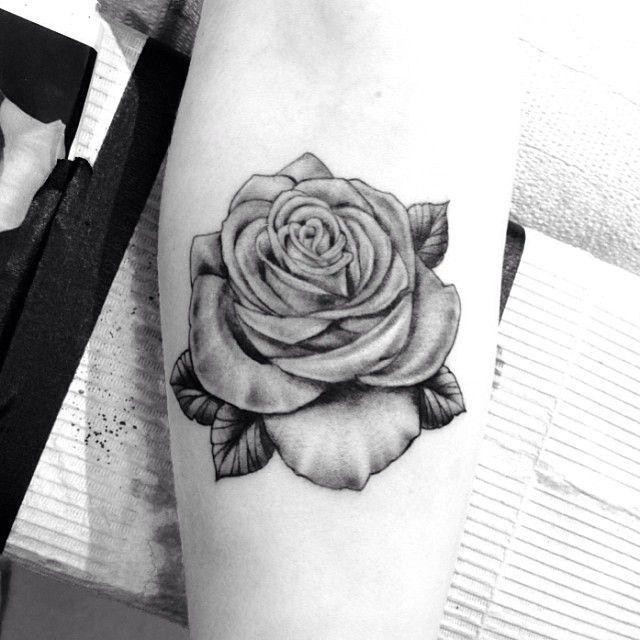 .@highvoltagetat | Beautiful black & grey rose tattoo applied by @saigonkicker