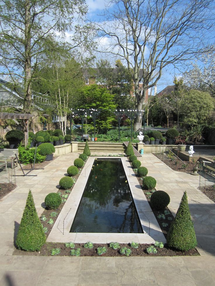 Formal garden by Architectural Plants