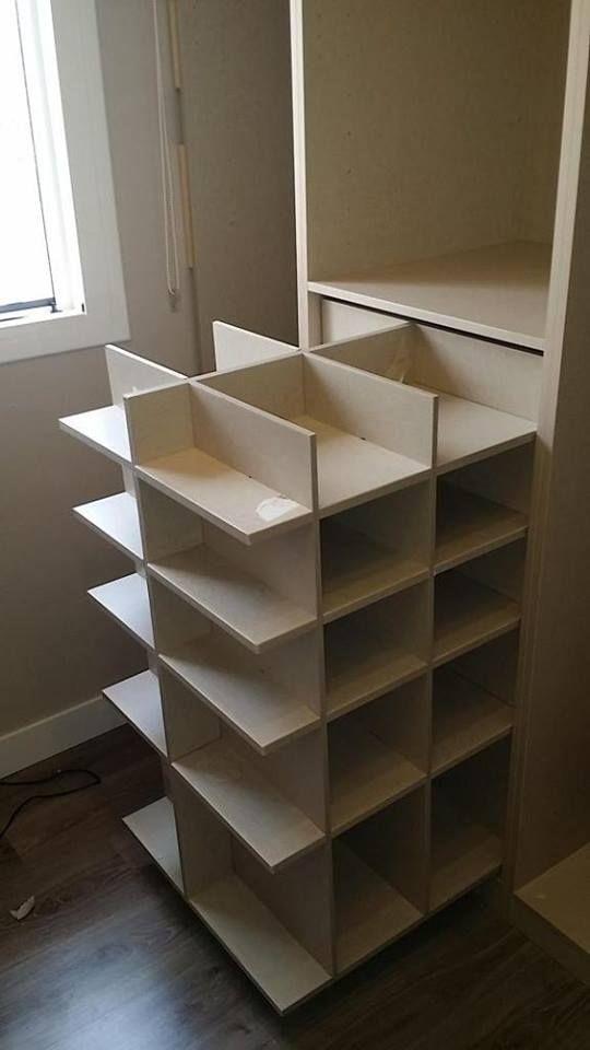 Idée #rangement pour les #chaussures ! #dressing http://www.m-habitat.fr/petits-espaces/dressing/installer-un-shoesing-chez-soi-2719_A