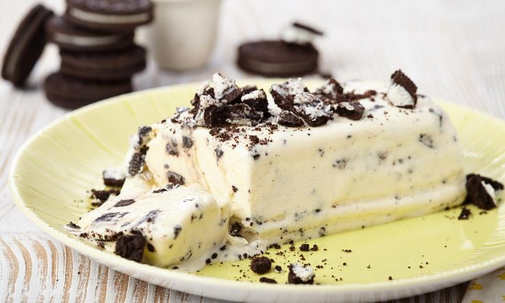 Eis mit Oreo®-Keksen Rezept: Leckeres Vanilleeis mit Oreo®-Keksen - Eins von 5.000 leckeren, gelingsicheren Rezepten von Dr. Oetker!