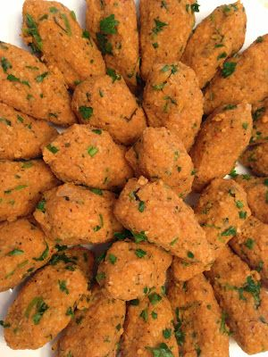 Turkish Food Recipes: Lentil Balls - Mercimekli Kofte