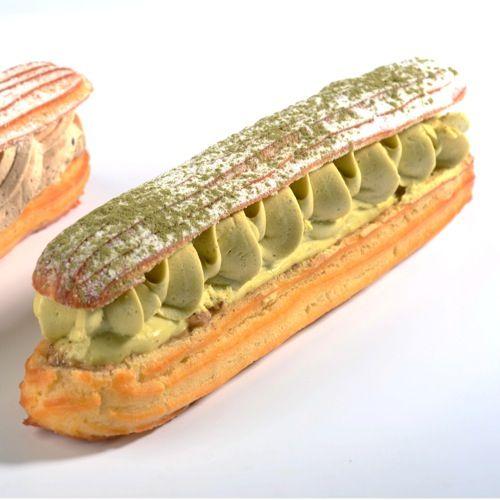 Paris-Palerme - Christophe Roussel - Pâte à chou garnie d'un croustillant au sucre pétillant, surmonté d'un crémeux à la pistache et d'une crème mousseline au praliné pistache. 4,50€