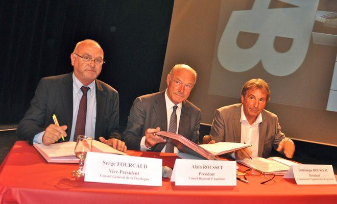 Alain Rousset a signé jeudi avec les élus du Département et de la Communauté d'agglomération de Bergerac un nouveau dispositif pour soutenir les entreprises locales.