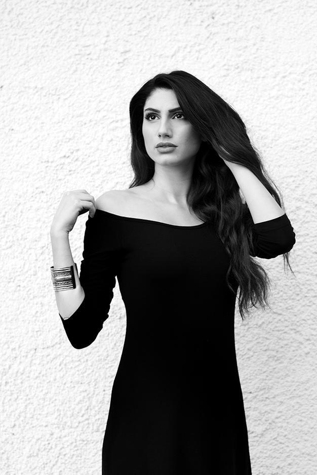 Afroditi Xatzimina by Nicoletta Kavvadia | nicoletta-kavvadia