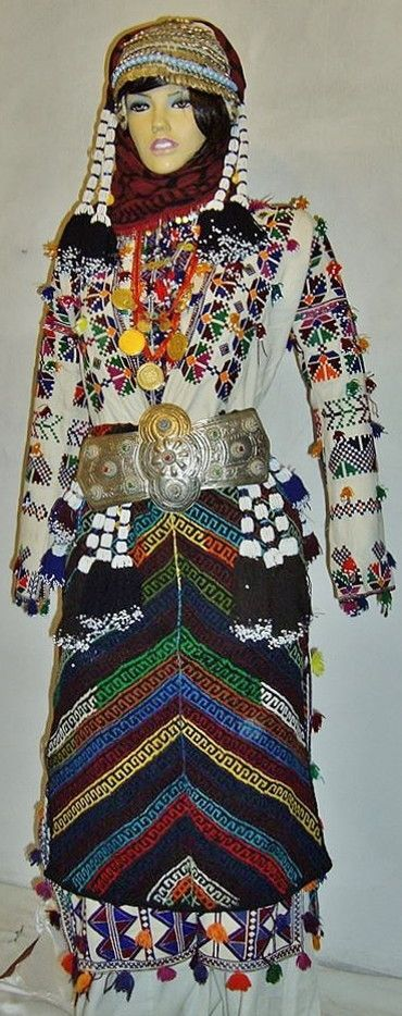 Traditional festive costume for young women, from the Alevi villages of the Tokat province. Style: ca. 1950-1975.